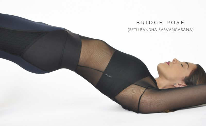 yoga-klær-pose-bridge