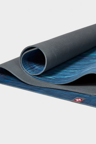 manduka_eko_5mm_yogamatte_pacific_blue_marbled